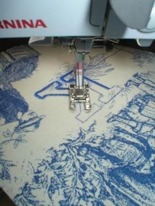 Desktop Wallpaper Monogramming WITHOUT An Embroidery Machine Classy Sewing Machine Wallpaper