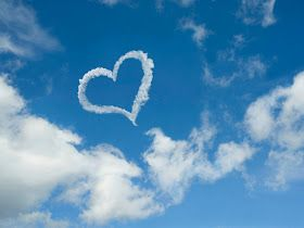 ART FOR YOUR WALLPAPER: Valentine's Day - Heart shaped cloud wallpapers