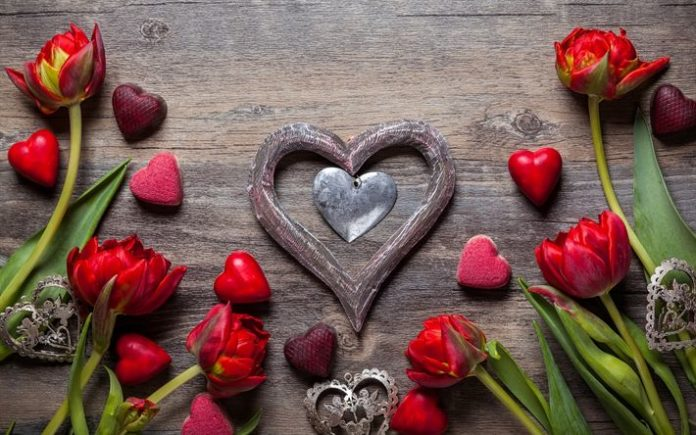 Download wallpapers Valentines Day, romance, red flowers, red hearts, pendant