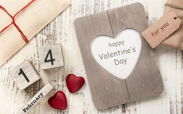 Télécharger fonds d'écran La saint valentin, le 14 février, en bois roug...
