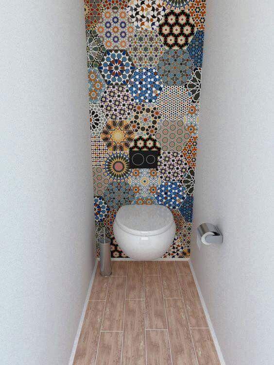 Tile ideas to spice up a tiny bathroom
