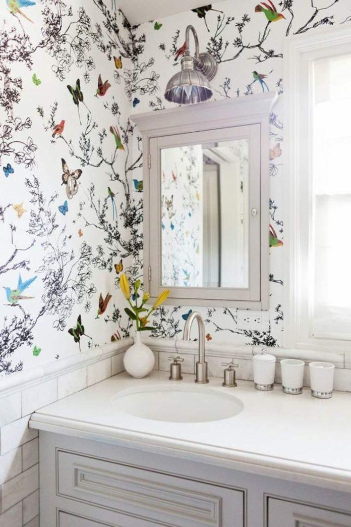 Papier peint pour salle de bains : une sélection originale