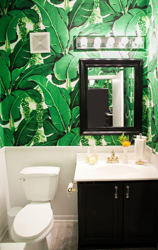 Cush and Nooks: Bathroom Wallpaper // LOVE tropical leaf wallpaper! //