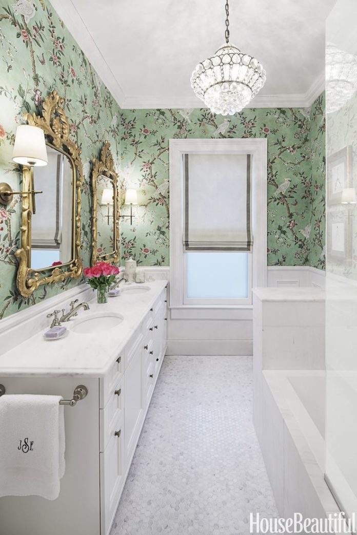 Chic Ways to Give Your Bathroom a Makeover